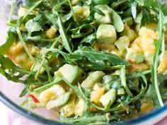Farmers' Market Recipe Finder: Avocados: Spinach Salad With Avocado, Fresh Mozzarella, And Strawberry Dressing http://www.prevention.com/food/healthy-recipes/farmers-market-recipe-finder-avocados?s=17