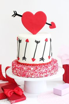 Red Velvet Valentine's Day Cake with huge red heart and arrow details. Red Velvet Valentine's Day Cake with huge red heart and arrow details. Valentines Day Cookies, Valentine Cake, Fondant Cupcakes, Cupcake Cakes, Baby Cupcake, Cupcake Ideas, Cupcake Toppers, Red Velvet Cake, Red Velvet Wedding Cake