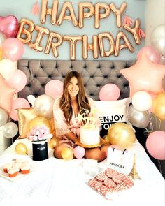 Birthday Surprise Decor- Bedroom Pink balloons and birthday gifts. Birthday Goals, 28th Birthday, Pink Birthday, Birthday Balloons, Birthday Room Surprise, 25th Birthday Ideas For Her, Birthday Parties, Birthday Month, Happy Birthday