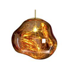Lorsque la lumière est éteinte, l'abat-jour métallisé est opaque et réfléchissant. Une fois allumé, ce luminaire devient translucide comme du verre : le matériau se pare alors de superbes reflets profonds, jouant avec la lumière, la couleur, la transparence et la profondeur.