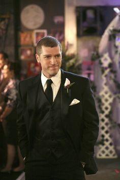Jeremy Davidson (Army wives) - Meet him while living in Charleston SC. Such a nice man. American Wives, Right Here Waiting, Army Wives, Band Of Brothers, Mans World, Fine Men, Man Crush, Picture Photo, Sexy Men