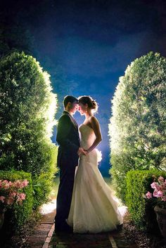 Extremely Cute Wedding Photos To Cling Your Soul ❤ See more: http://www.weddingforward.com/cute-wedding-photos/ #weddings