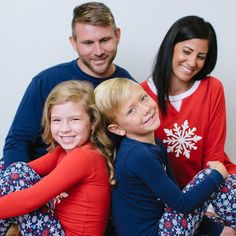 Our comfy family matching pajama set features a winter snowflake design. Perfect for Christmas morning, lounging on family night, or snuggling by the fireplace! Men's Shirt: Lightweight knit with long sleeves in a relaxed fit with crewneck and ribbed knit trim Pant: Lightweight knit in a relaxed fit with side pockets, elastic waistband, drawstring closure and allover print Women's Shirt: Lightweight knit with long raglan sleeves with contrast crewneck and snowflake graphic, con...