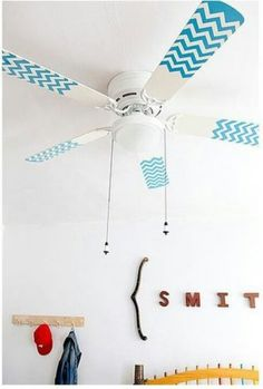 For a pop of color, try chevron-patterned ceiling fans. They're easy (and cheap!) to DIY. if you can't paint (like if you live in an apartment), you could try washi tape or electrical tape! Diy House Projects, Cool Diy Projects, Home Design, Diy Design, Painted Fan Blades, Ideas Habitaciones, Do It Yourself Baby, Do It Yourself Inspiration, Contact Paper