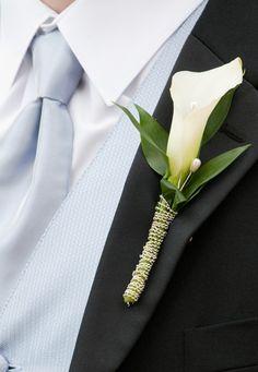 Interflora® Fleurop® Italia - Boutonniere - Fiore all'occhiello per uomo con decorazione e una Calla bianca