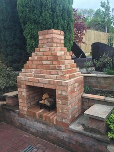 Pergola Bois Ancien - - Pergola Bois Moderne - Pergola Attached To House With Swing Outdoor Fireplace Brick, Outside Fireplace, Outdoor Fireplace Designs, Backyard Fireplace, Fire Pit Backyard, Backyard Patio, Brick Fireplaces, Pergola Patio, Pergola Ideas
