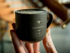 Starbucks goes upscale with fancy coffee emporium Starbucks Reserve, La Coffee, Coffee Cups, Coffee Time, Fancy Store, Coffee Restaurants, Coffee Shop Design, Coffee Branding, Vases