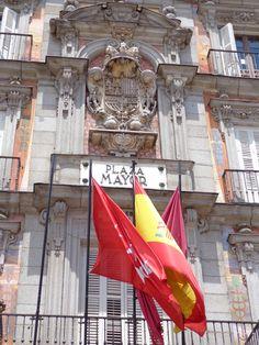 Sapin, Madrid, Plaza Mayor, Flags