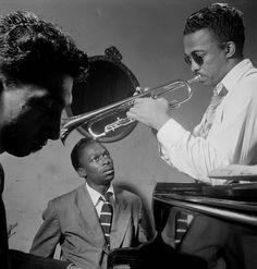Howard McGhee and Miles Davis, New York – 1947. (William P. Gottlieb/Library of Congress)
