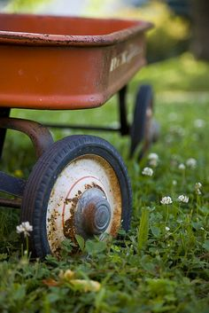 #rustic #red #wagon #closeup