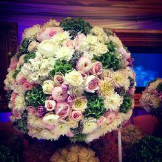 Fiori e decorazioni in rosa, verde e bianco  Flower decoration in pink, green and white Wedding style  Wedding Planner  Perfectday.it Weddingitalianstyle.co.uk