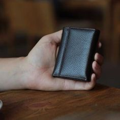 Men's Trifold Genuine Leather Purse ID Card Holder  Women's Clutch Mini Wallet