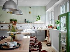 Be inspired by the New Nordic Interior Trend, the Scandinavian Style which is the top style On Trend Now for interiors and design Scandinavian Style, Scandinavian Apartment, Nordic Style, Scandinavian Interiors, Fresco, Nordic Interior Design, Interior Ideas, Rustic Living Room Furniture, Modern Furniture