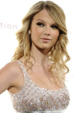 taylor swift hairstyles | Sweet Taylor Swift Hairstyle