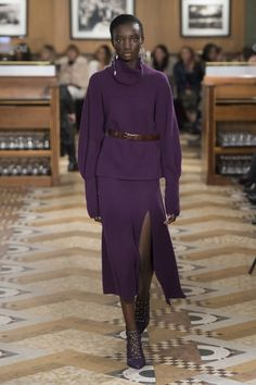 Altuzarra Fall 2018 Ready-to-Wear collection, runway looks, beauty, models, and reviews.