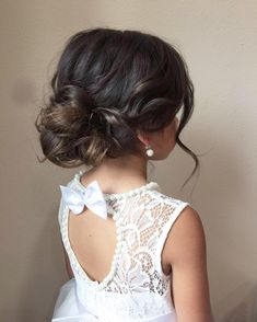 The sweetest little flower girl updo you ever did see 💕 Hairstyl. The sweetest little flower girl updo you ever did see 💕 Hairstyles f. Wedding Hairstyles For Girls, Flower Girl Hairstyles, Little Girl Hairstyles, Braided Hairstyles Updo, Bride Hairstyles, Hairstyles 2016, Bob Updo, Bridesmaid Hairstyles, Fancy Hairstyles