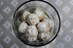 Snowball Cookies | Eggless Snowball Cookies | Christmas Cookies Recipe ~ Edible Garden
