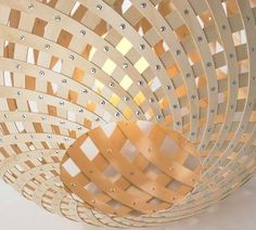 David Trubridge, creates some of the most heart-stoppingly beautiful, ecologically sensitive objects of desire anywhere on the planet. This pendant light is called Koura.