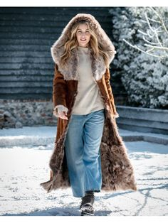 【Clearance Sale💥Shipped Within 24h】Hooded Toscana Coat - inkshe.com Sheepskin Jacket, Winter Mode, Shearling Coat, Celebrity Outfits, Outerwear Women, Models, Coats For Women, Hoods, Instagram