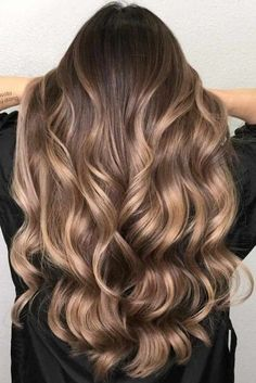Balayage vs ombre, so what is the difference between these popular treatments th. - Balayage vs ombre, so what is the difference between these popular treatments th… – # - Brown Hair Balayage, Brown Blonde Hair, Light Brown Hair, Hair Color Balayage, Hair Highlights, Caramel Highlights, Ombre Balayage, Baylage Vs Ombre, Haircolor
