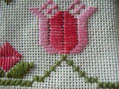 Desenho em ponto reto - tulipa