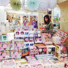 Très certainement l'une de mes boutiques préférées...✨ Boutique: @fleuxconceptstore  #fleux #deco #shopping #lemarais #paris