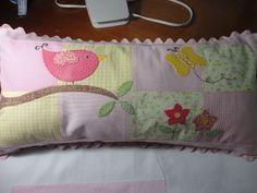 Enxoval de bebe - Almofada 20 x 40cm em patch  Para entrar em contato envie mensagem para teresi@globo.com ou www.facebook.com....