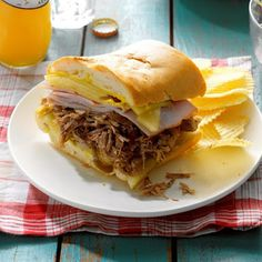 Cuban Pulled Pork Sandwiches - On Poinsettia Drive Instant Pot Pressure Cooker, Pressure Cooker Recipes, Pressure Cooking, Pressure Pot, Slow Cooking, Pork Recipes, Crockpot Recipes, Cooking Recipes, Crockpot Dishes