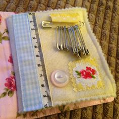 A tutorial on a shabby chic needle and pin book