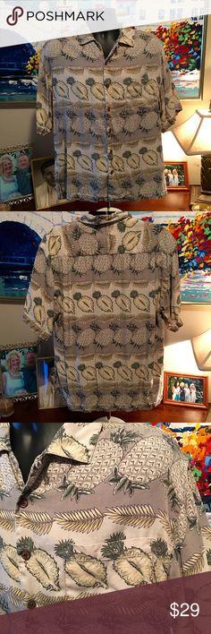 👔Tommy Bahama Men's Short Sleeve Pineapple Shirt 100% Silk, Size Large, Like New Tommy Bahama men's button up short sleeve shirt! Khaki & green. Very nice!! Tommy Bahama Shirts Casual Button Down Shirts