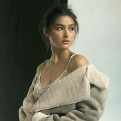 you name it - sunday - Liza Soberano Most Beautiful Women, Beautiful People, Lisa Soberano, Filipina Beauty, Le Jolie, Foto Pose, Aesthetic People, Female Portrait, Belle Photo