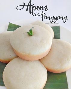 Indonesian Desserts, Indonesian Food, Donut Recipes, Snack Recipes, Cooking Recipes, A Food, Food And Drink, Resep Cake, Traditional Cakes