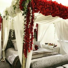 Bridal Room Decor, Wedding Night Room Decorations, Romantic Room Decoration, Desi Wedding Decor, Romantic Bedroom Decor, Room Decor Bedroom, Wedding Crafts, Modern Bedroom, Newlywed Bedroom
