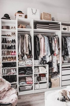 Planning a walk-in closet: that& how I put my dressing-room in . - Planning a Walk in Wardrobe: That& How I Furnished My Dressing Room Julies Dresscode Fashion - Walk In Closet Design, Bedroom Closet Design, Room Ideas Bedroom, Closet Designs, Bedroom Furniture, Ikea Bedroom, Furniture Design, Ikea Closet Design, Bedroom Decor