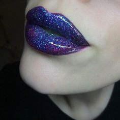 A lil bit of Makeup Inspiration. Maybe a sparkly galaxy eyeshadow blend , and a dark pink lip? Lip Art, Lipstick Art, Lipsticks, Beautiful Lips, Gorgeous Makeup, Lip Makeup, Beauty Makeup, Galaxy Eyeshadow, Sparkle Makeup