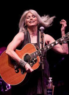 Folk Music Artists, Country Music Artists, Jules Supervielle, Emmylou Harris, Americana Music, Best Country Music, Women Of Rock, Guitar Girl, Blonde Women