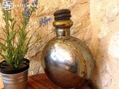 Une adhésion métallique « Artisapart, Prenez part à l'artisanat