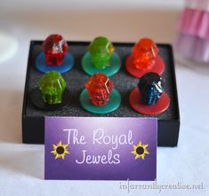 "Tangled Birthday Party ""Royal Jewels"" ring pops make a fun treat for a princess party. Jasmin Party, Lila Party, Royal Party, 31 Party, Party Candy, Disney Princess Birthday Party, Pirate Birthday, Prince Birthday Party, Pirate Party"