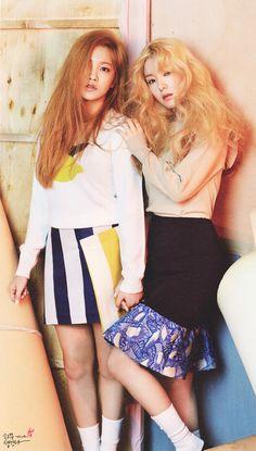 The Celebrity May 2015 Issue feat. Red Velvet (레드벨벳) - Yeri (예리) & Irene (아이린)