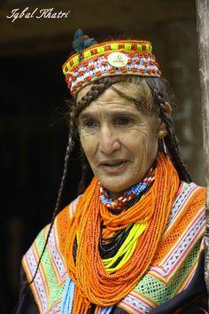 Old+Kalasha+lady