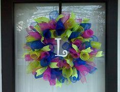Spiral mesh wreath