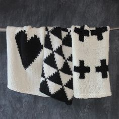Knit baby blankets by Yarning