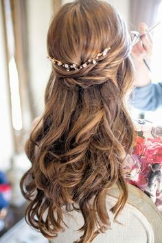 Coiffure mariage : Colorful Austin Wedding by The Nichols  Southern Weddings