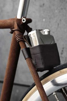 Now thats a flask! Big up to my Baby- who rides so Lovely..   -s215