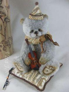 Vivaldi by Vera J.Bears | Bear Pile