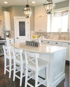 21 Gorgeous Modern Farmhouse Kitchen Cabinets Decor Ideas White on White kitchen Kitchen Cabinets Decor, Farmhouse Kitchen Cabinets, Modern Farmhouse Kitchens, Kitchen Redo, New Kitchen, Home Kitchens, Kitchen Ideas, Rustic Farmhouse, Farmhouse Style