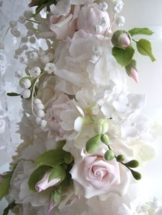 Maki's Cakes | The Ebury Collection Wedding Directory