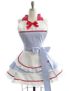 Retro Apron - Dorothy of Oz Womans Aprons - Vintage Apron Style - Pin up Wizard of Oz Rockabilly Cosplay by bambinoamore on Etsy https://www.etsy.com/listing/205428650/retro-apron-dorothy-of-oz-womans-aprons