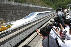 WATCH: Japan's built a maglev passenger train that travels 500 km/h - ScienceAlert