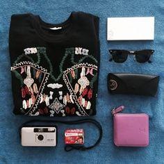 #JSSpotted OZ ROund ZIp Wallet Styling #조셉앤스테이시 Instagram photos | Websta (Webstagram)
